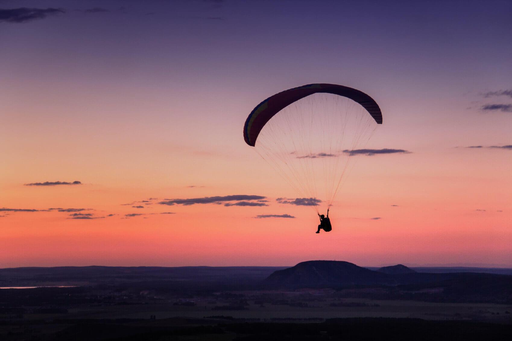 parachute-hero